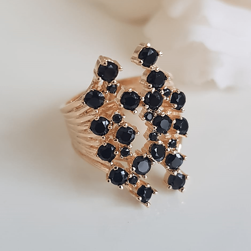Anel cristais preto ônix- modelo Anne Marie - preto