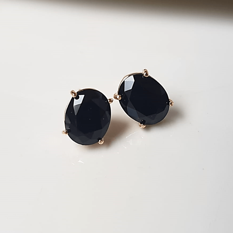 Brinco botão cristal preto ônix -oval 10x8mm