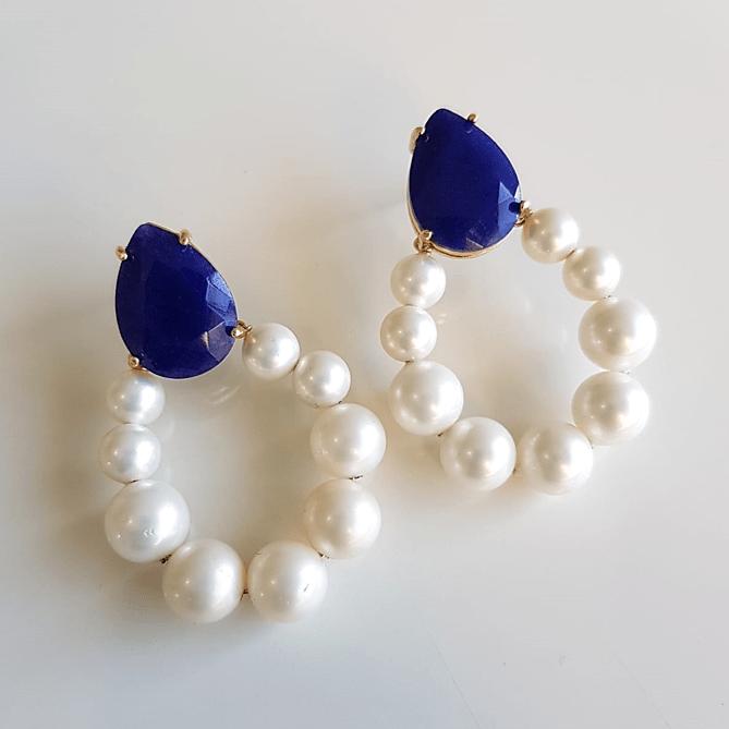 Brinco gota de pérolas shell com quartzo azul jeans