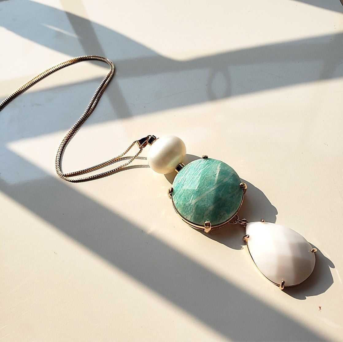 1-Colar longo com pingente de pérola shell, amazonita e cristal branco leitoso