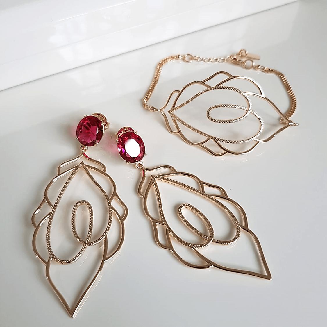 1-Conjunto pulseira e brinco com desenho vazado e cristal rosa turmalina