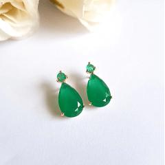 Brinco gota de cristal verde esmeralda