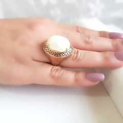 anel pérola shell oval 20x15 mm