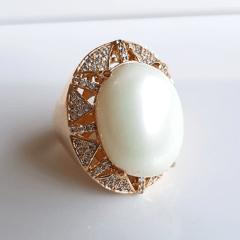 anel pérola shell oval 20x15 mm com zircônias white