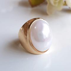 Anel pérola shell branca oval - modelo Denise