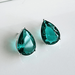 Brinco botão de cristal verde turmalina gota - prateado