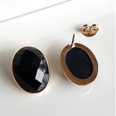 Brinco botão oval de cristal preto ônix 20x15mm