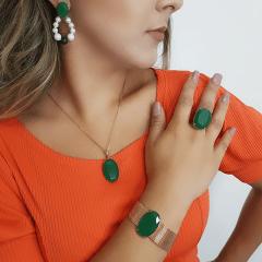 Brinco de cristal verde esmeralda , pérolas e jaspe verde