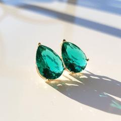 Brinco gota cristal verde turmalina  - 14x10mm