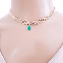 Colar choker com pingente verde esmeralda
