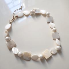 3-Colar curto madrepérolas e pérolas shell