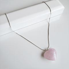 Colar pedra coração quartzo rosa - prateado