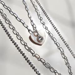 Kit - Trio de colares prateados com pingente coração madrepérola