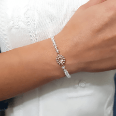 Pulseira delicada de cristais com zircônias