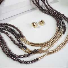 Conjunto: colar 6 voltas de cristais rondel marrom e brinco argola dourada