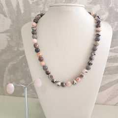 1-Conjunto Lady - colar e brinco de pedras naturais jaspe cinza mesclado e quartzo rosa