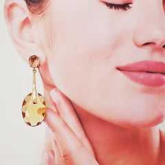 brinco cristais formato oval com haste dourada - cor tangerine